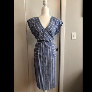 Cinched waist comfortable dress